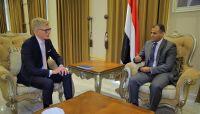 الاتحاد الأوروبي يؤكد دعمه لاتفاق الرياض والحكومة الشرعية