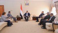 رئيس الوزراء: خروقات مليشيات الحوثي وتعنتها المستمر تهدد مسار السلام