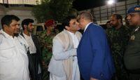 نائب رئيس الوزراء يصل محافظة المهرة عقب زيارته الى عمان