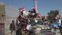 """بذريعة """" كورونا"""".. مليشيات الحوثي تحتجز مئات المسافرين مع عوائلهم تعسفياً في ذمار"""