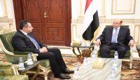 """بعد توافقات.. تكليف """"معين عبدالملك"""" بتشكيل حكومة جديدة وتعيين محافظ ومدير أمن لعدن"""
