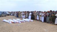تشييع شهداء القصف الحوثي الذي استهدف مسجداً وسط مدينة مأرب