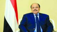 نائب الرئيس يطمئن على الصحفيين المحررين من سجون مليشيا الحوثي