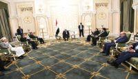 """الرئيس هادي يشدد على تنفيذ""""اتفاق الرياض"""" ويؤكد: لاقبول مطلقاً بالتجربة الايرانية"""
