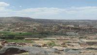 قرية المشاخرة بذمار.. حصار وقصف حوثي بالأسلحة الثقيلة