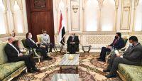 الرئيس هادي يدعو المنظمات الدولية نقل مكاتبها إلى عدن