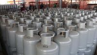 مليشيا الحوثي ترفع أسعار الغاز المنزلي بصنعاء إلى 12 ألف ريال في السوق السوداء