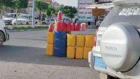 انتعاش أسواق الوقود السوداء في صنعاء وسط اتهامات لمليشيا الحوثي بالوقوف وراءها